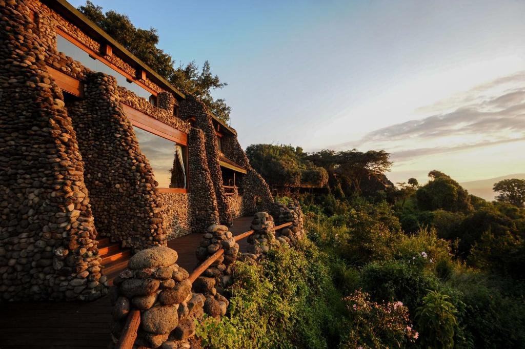Resultado de imagem para Ngorongoro Serena Safari Lodge