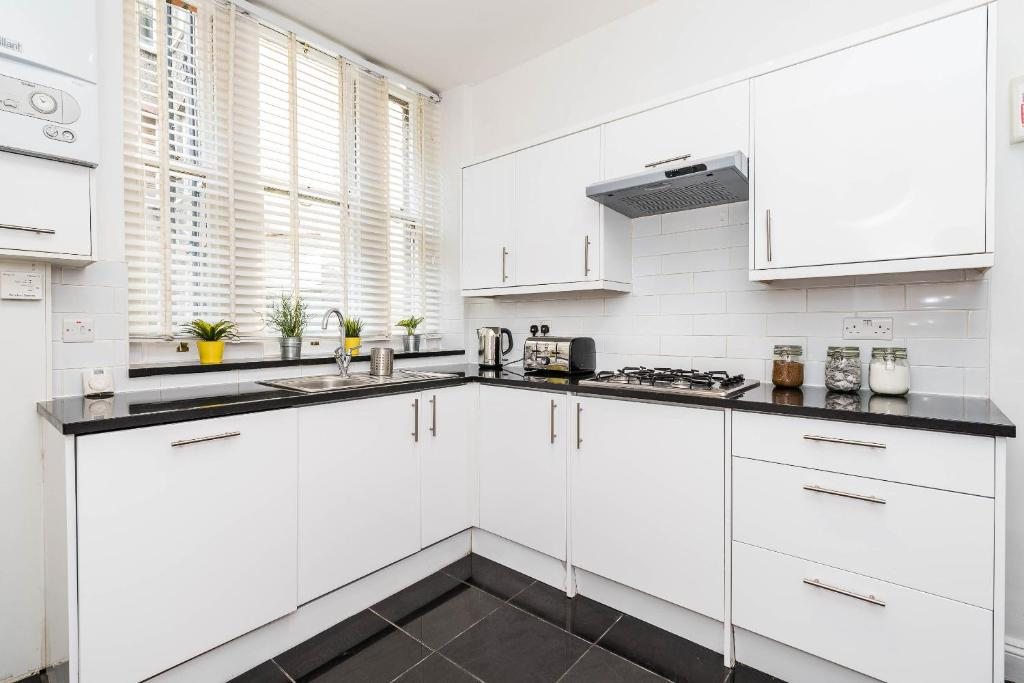 Apartment Super Exclusive 3 Bedroom Flat Heart Of Chelsea London - Excellent-3-bedroom-london-apartment-in-chelsea-area