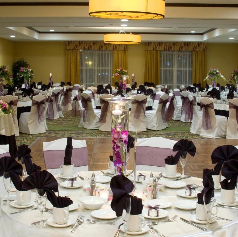 gallery image of this property - Hilton Garden Inn Fontana