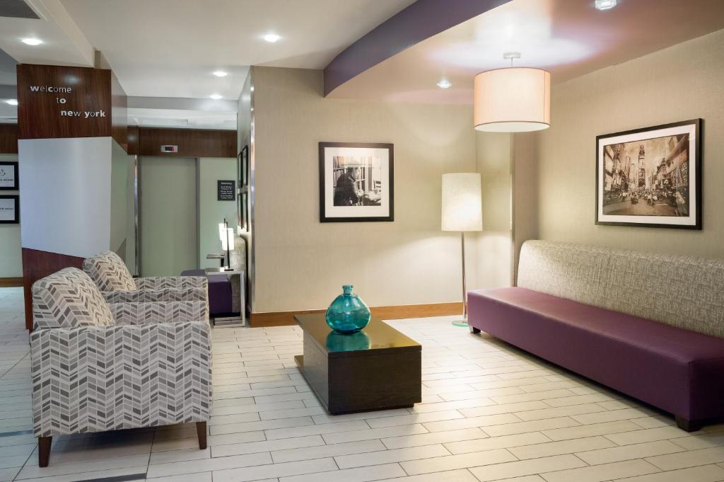 gallery image of this property - Hampton Inn Madison Square Garden