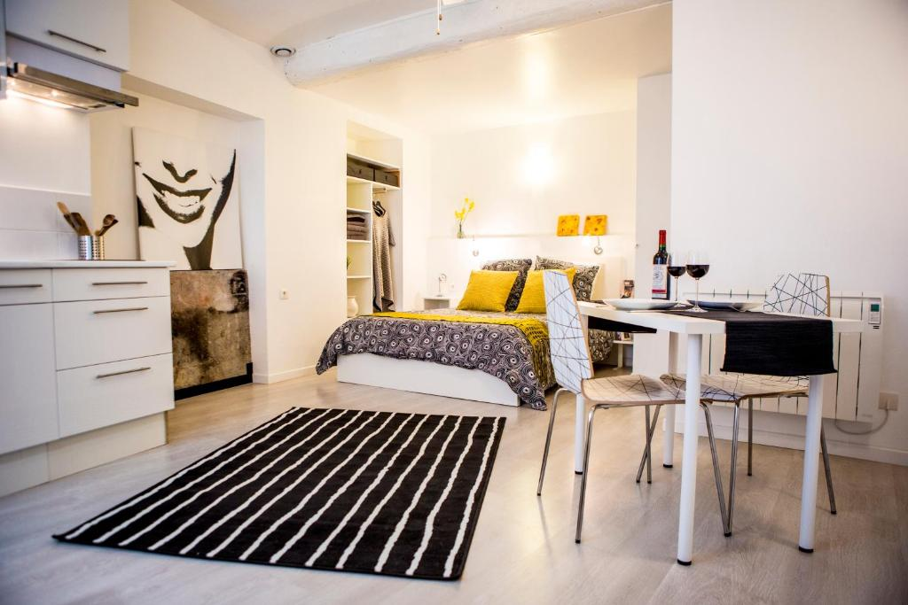 Apartments In Quintillan Languedoc-roussillon