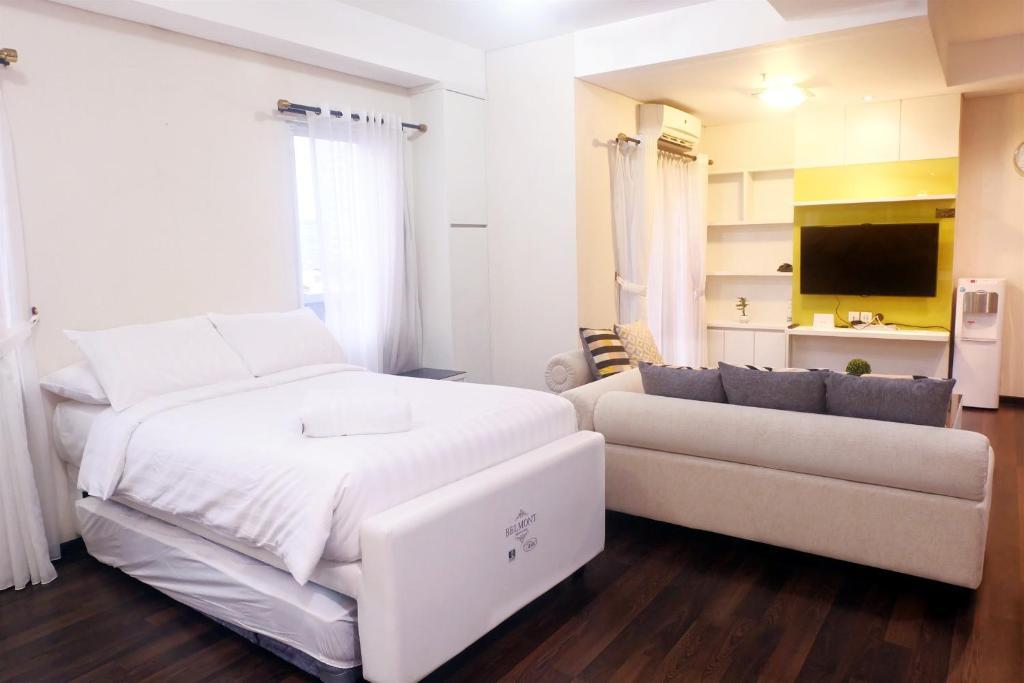Strange Studio 4Pax Thamrin City Cosmo Terrace By Travelio Jakarta Interior Design Ideas Tzicisoteloinfo