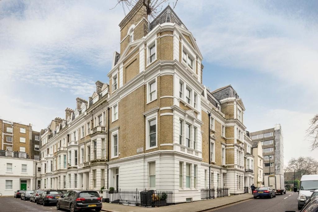 FG Apartment - Notting Hill, Linden Gardens, London, UK - Booking.com