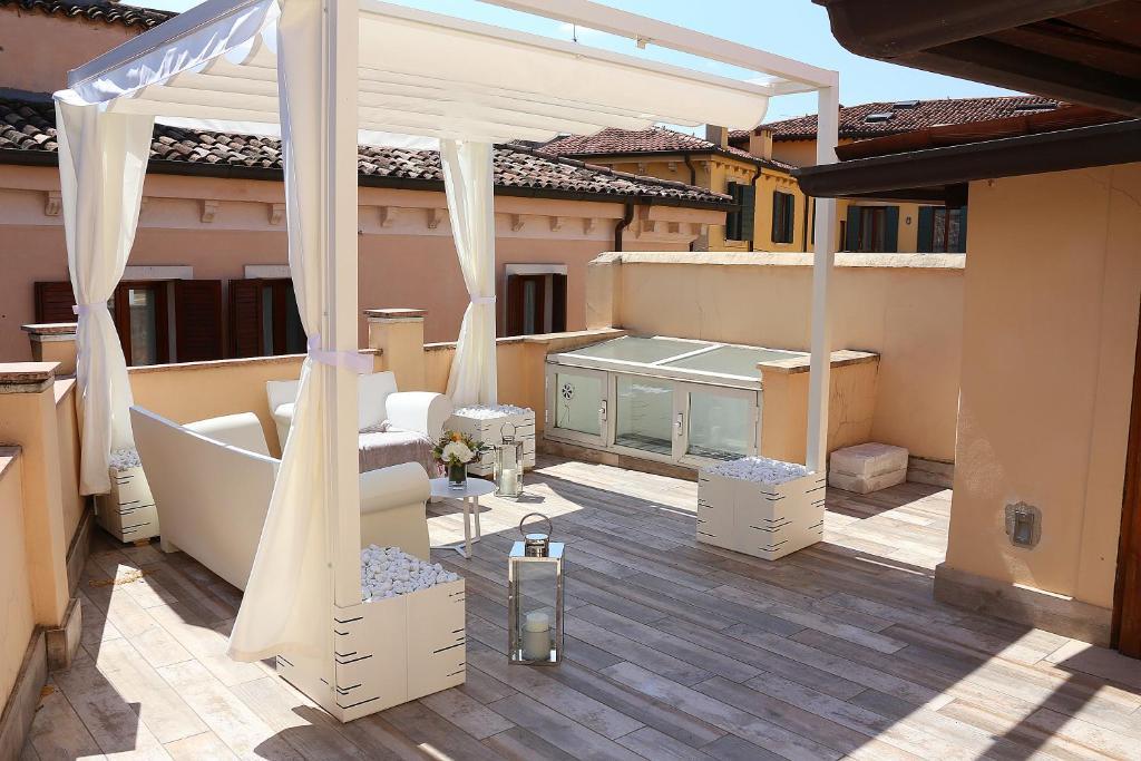 Apartment Suite San Gaetano, Verona, Italy - Booking.com