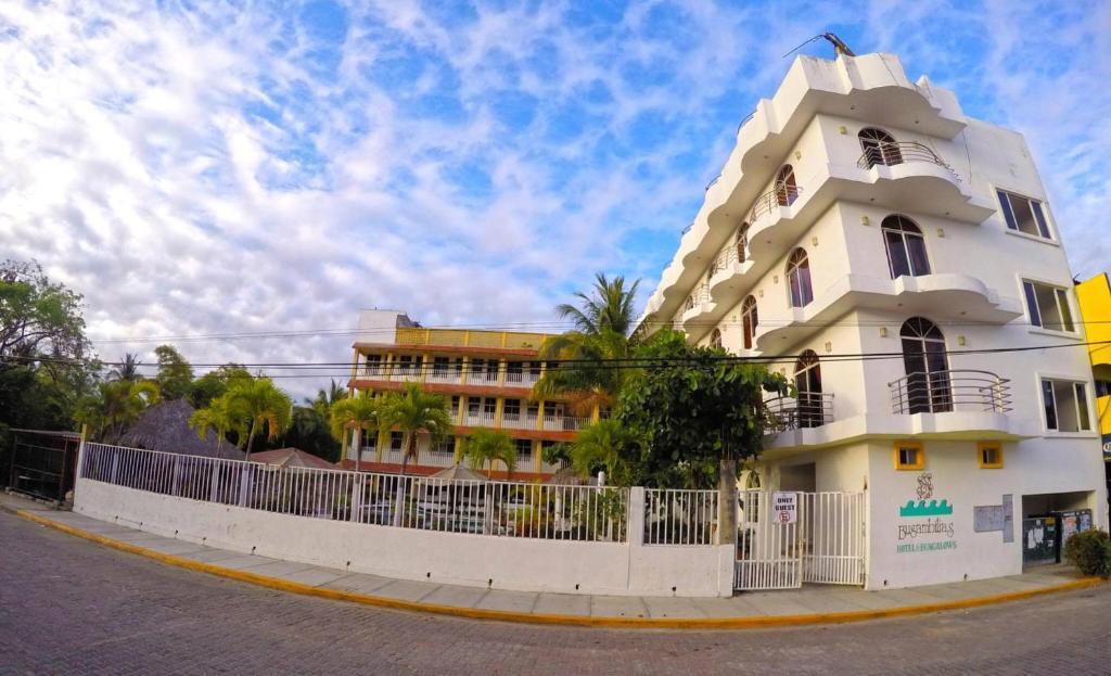 Hotel y suites bugambilias rinc n de guayabitos precios for Hotel luxury rincon de guayabitos
