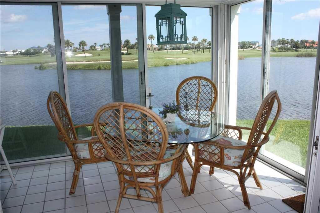 Apartments In Carriage Club Of Jacksonville Heliport Florida