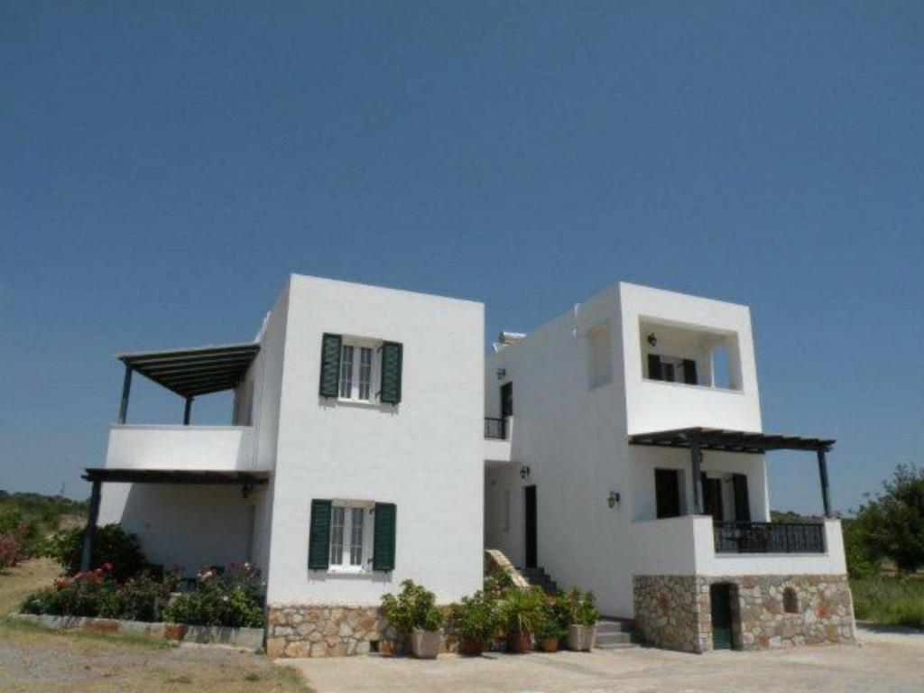 Недвижимость в деревне Китира