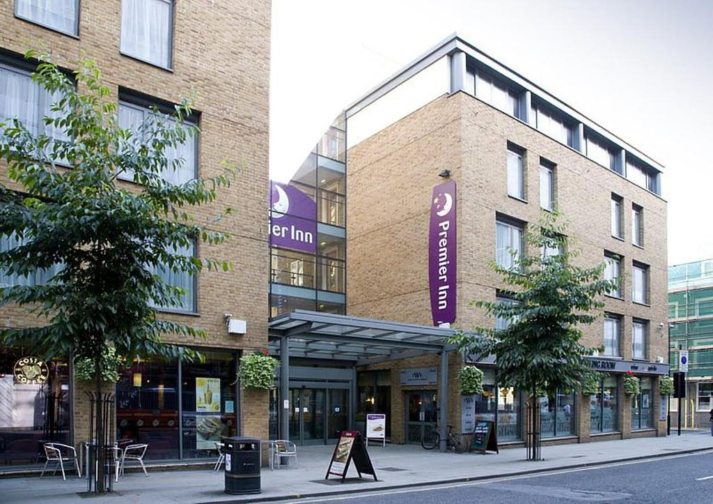 premier inn london king 39 s cross london updated 2018 prices. Black Bedroom Furniture Sets. Home Design Ideas