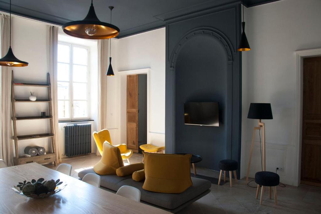 Apartments In Prévinquières Midi-pyrénées