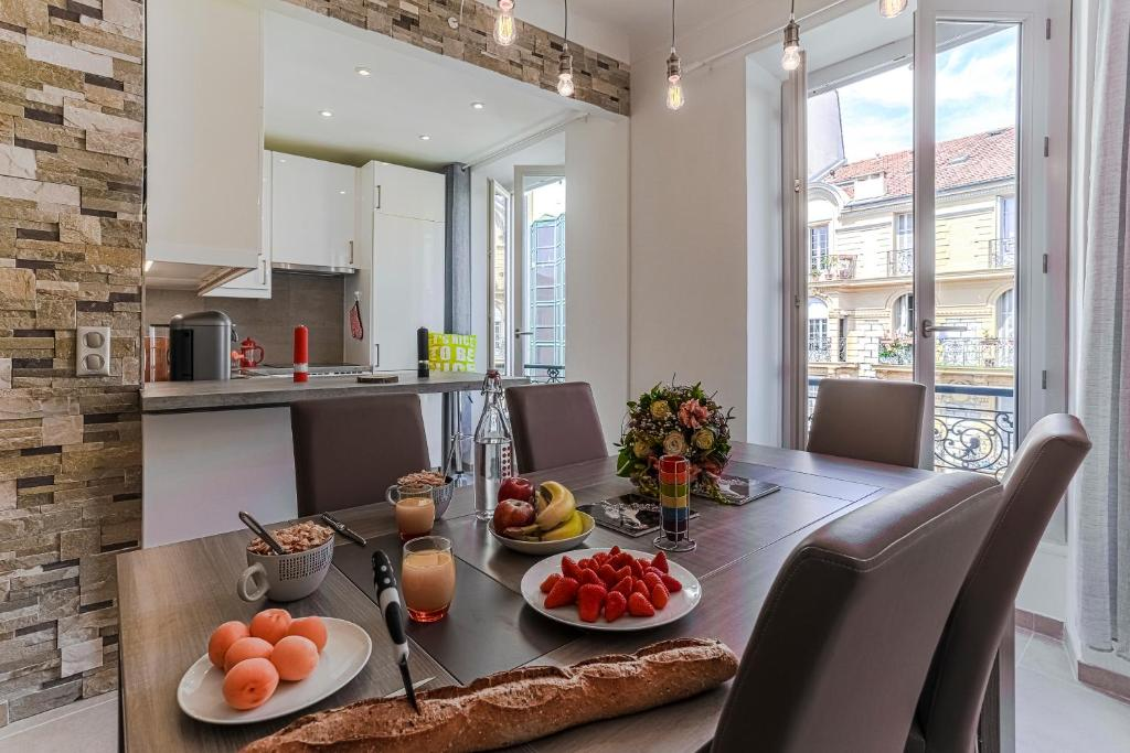 apartment 2 bedroom apt - downtown raimbaldi, nice, france