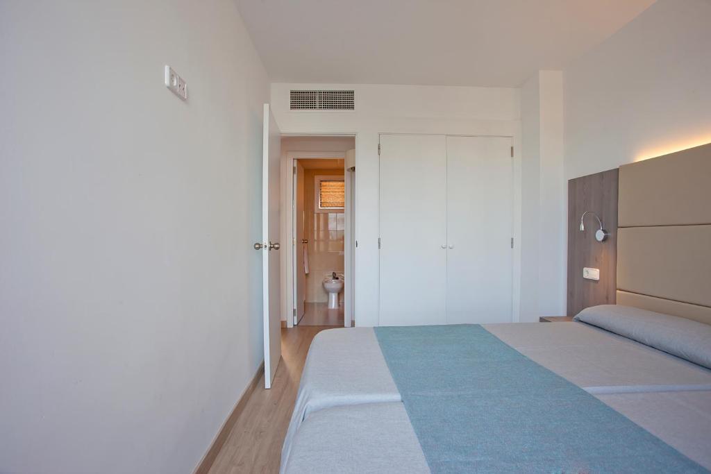 Aparthotel Playa Dorada Sa Coma Spain Bookingcom
