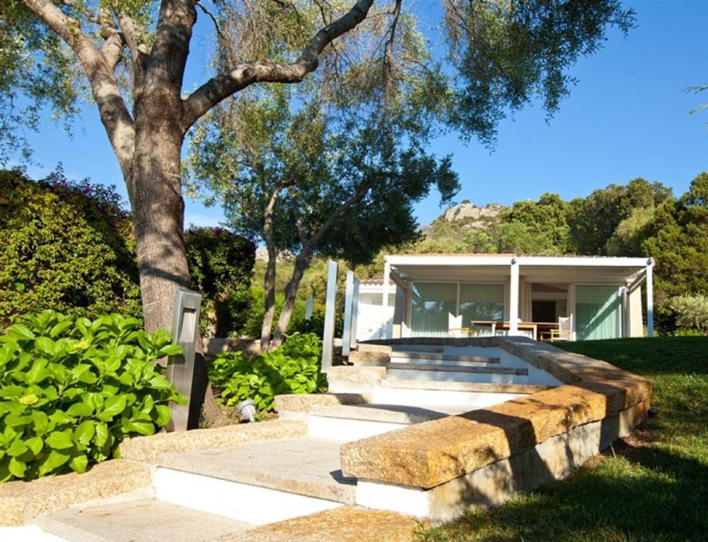 Buy a house in Porto Rotondo