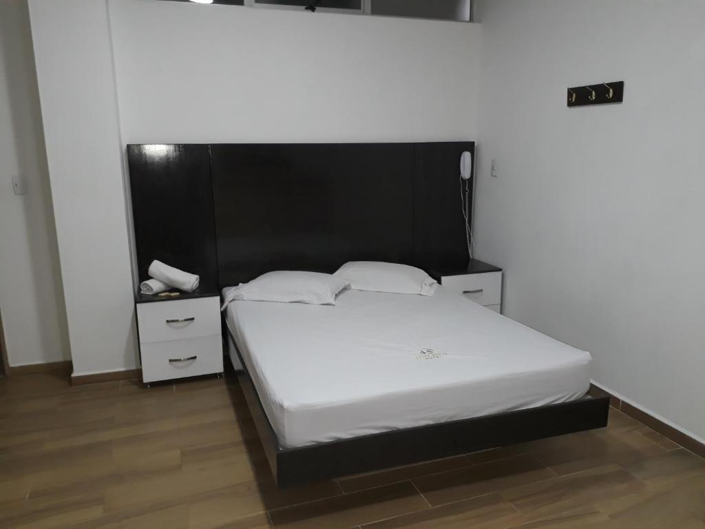 Hotel Golden 45 Medell N Updated 2018 Prices # Muebles Medellin Itagui