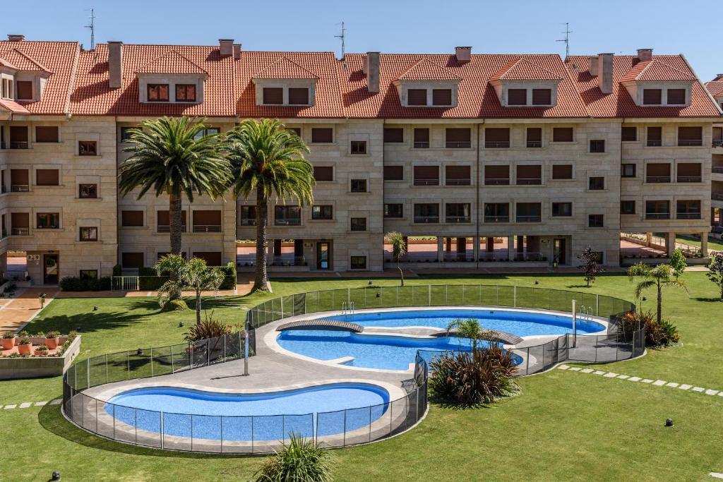 Apartamentos la toja isla de la toja precios mayo 2018 for Hotel luxury la toja