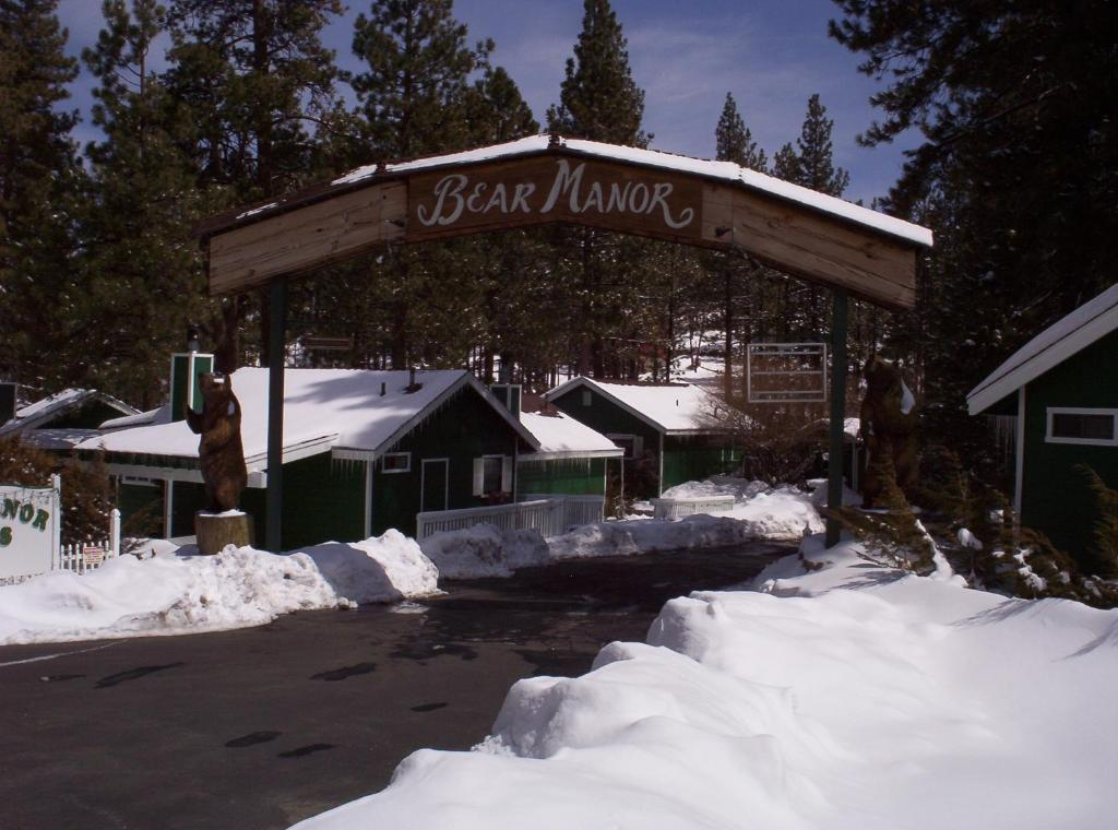 Lodge Big Bear Manor Spa Cabins, Big Bear Lake, CA - Booking.com