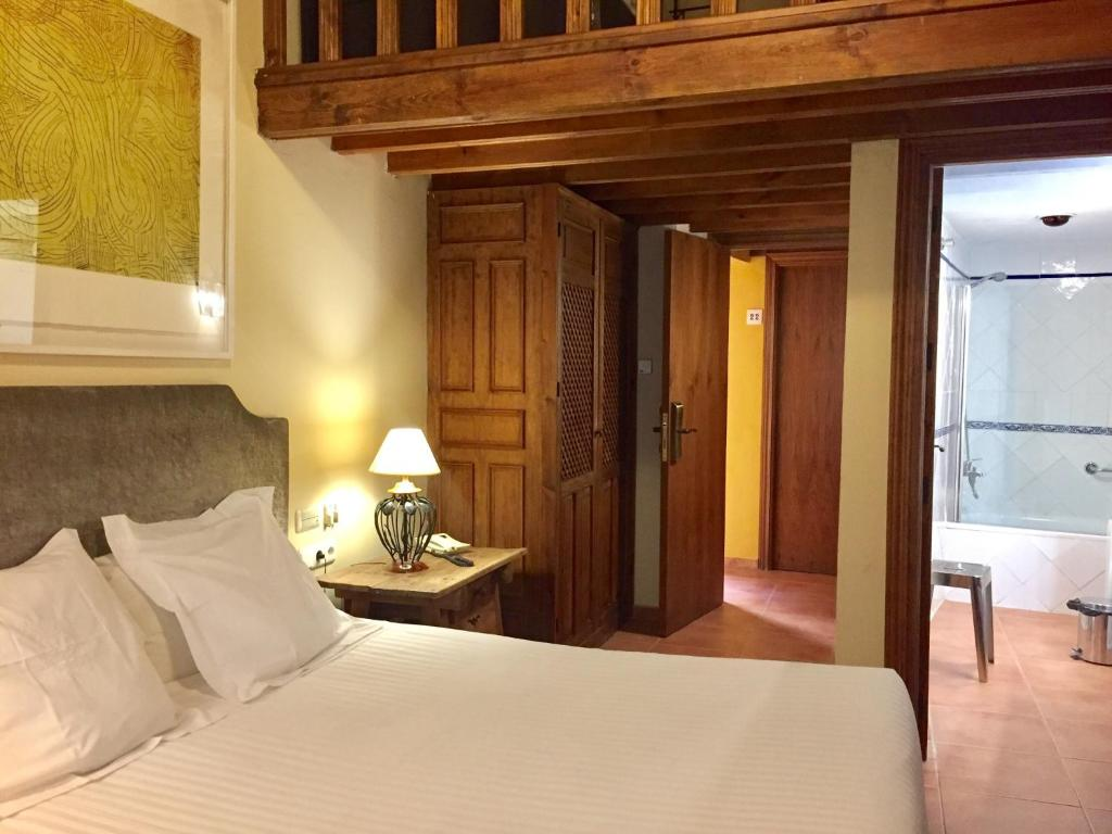 boutique hotels in granada  96