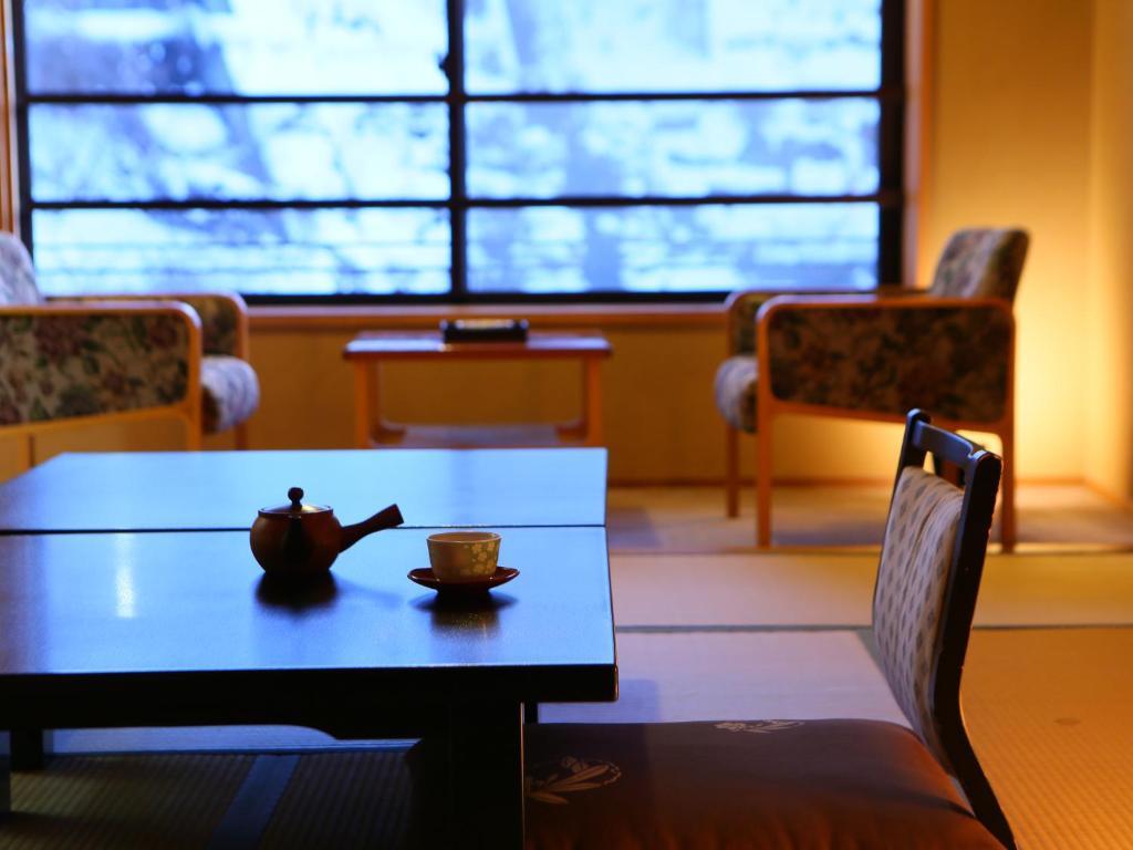 Shibu Hotel, Yamanouchi, Japan - Booking.com