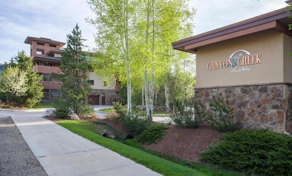Apartment Canyon Creek Condominiums Steamboat Springs Co