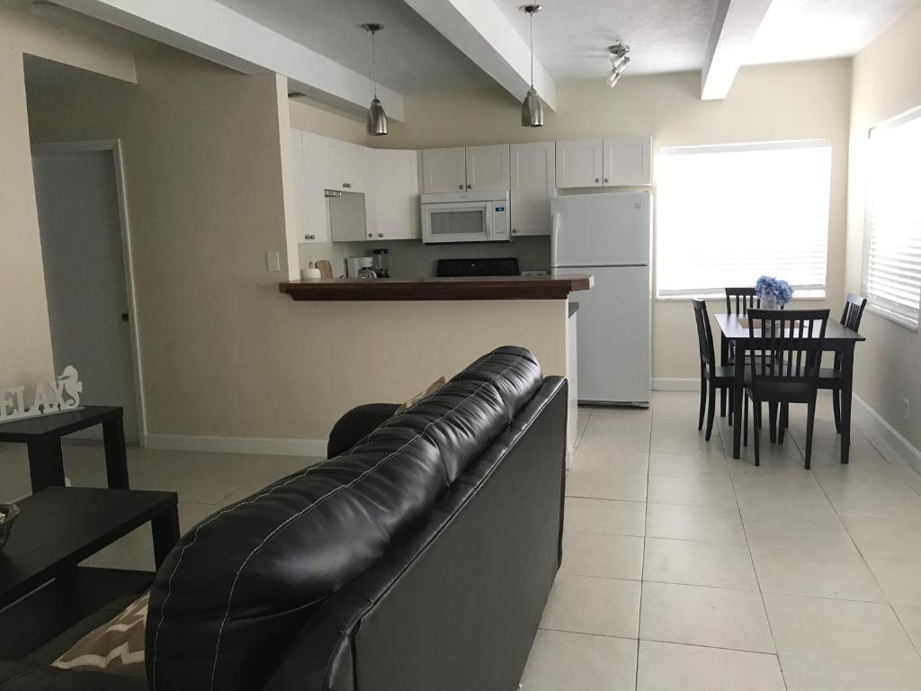 Aparthotel La Doral (USA Palm Beach Shores) - Booking.com
