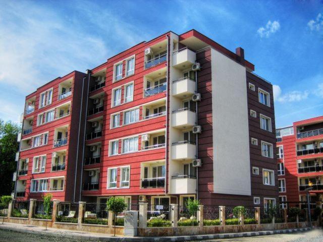 Апартамент Меллия Равда Апартментс - Равда
