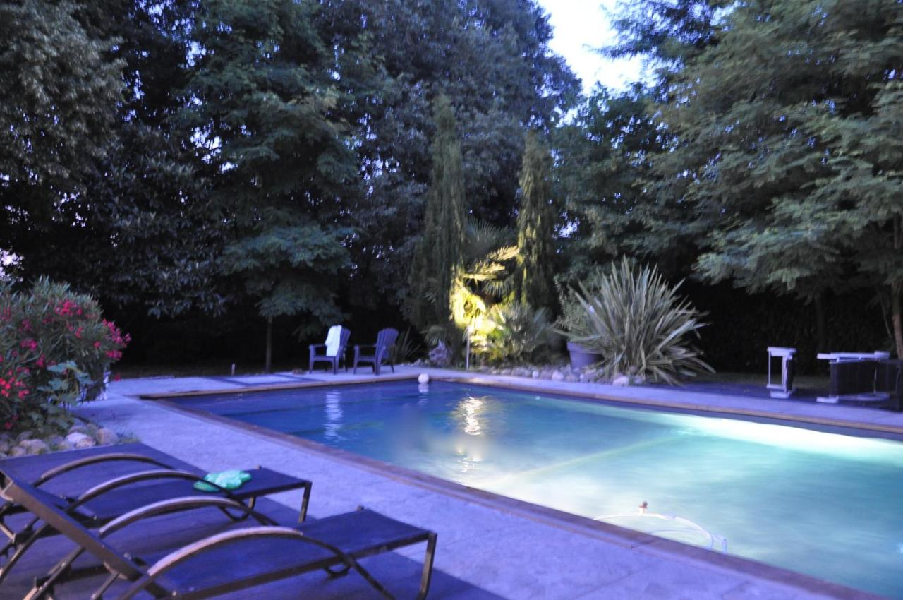 Bed And Breakfasts In Sadirac Aquitaine