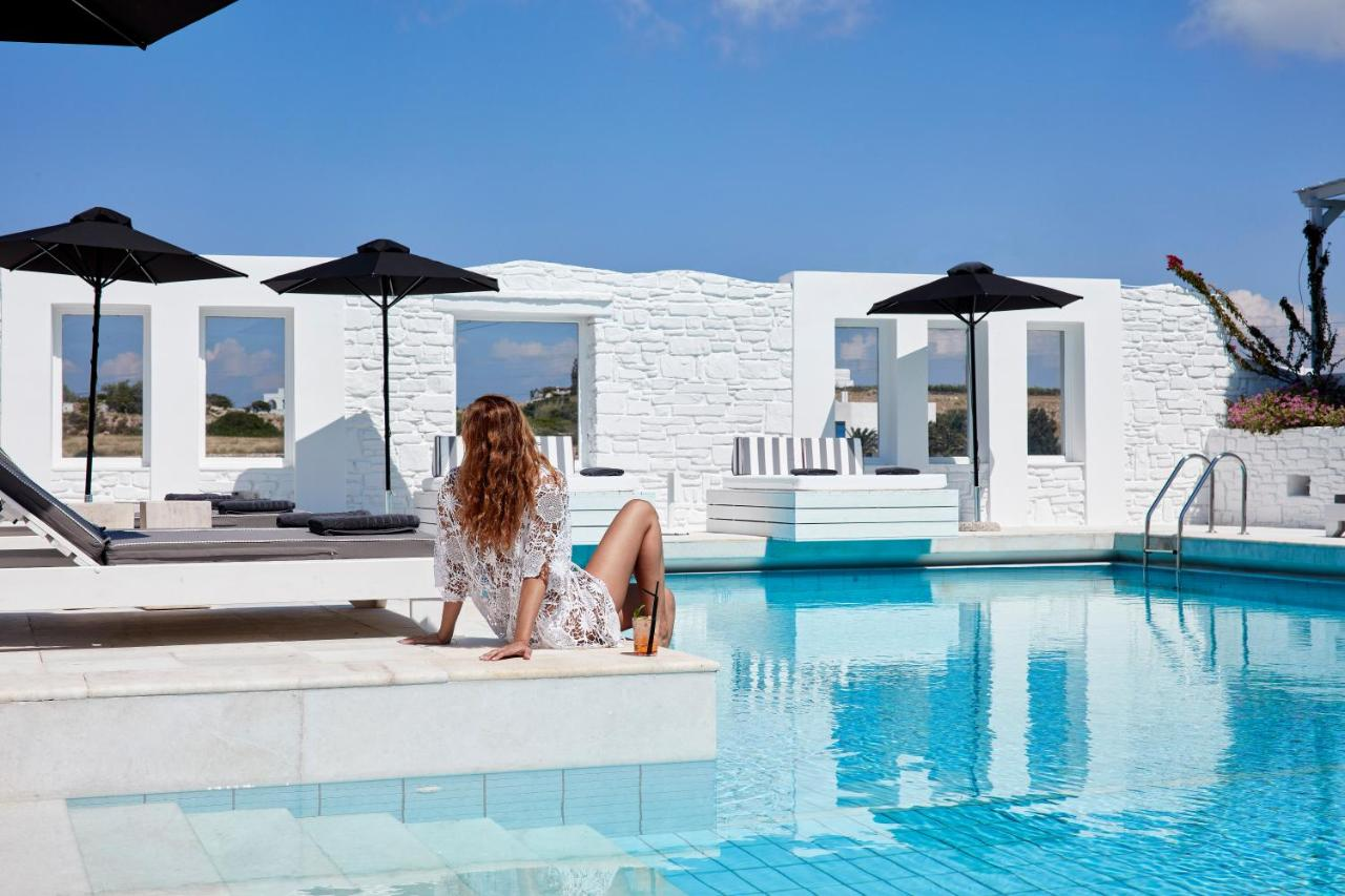 f90e0b385877 Mr. and Mrs. White Paros - Small Luxury Hotels of the World