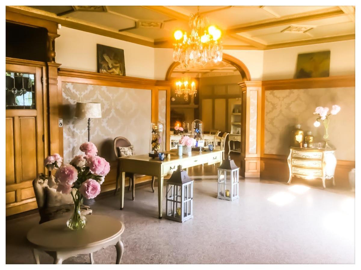 馬諾伊瓦酒店