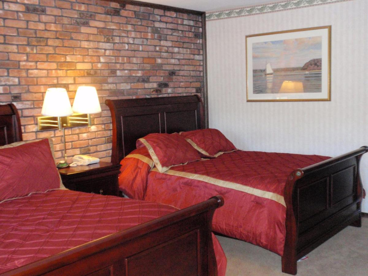 Hotels In Centerport New York State