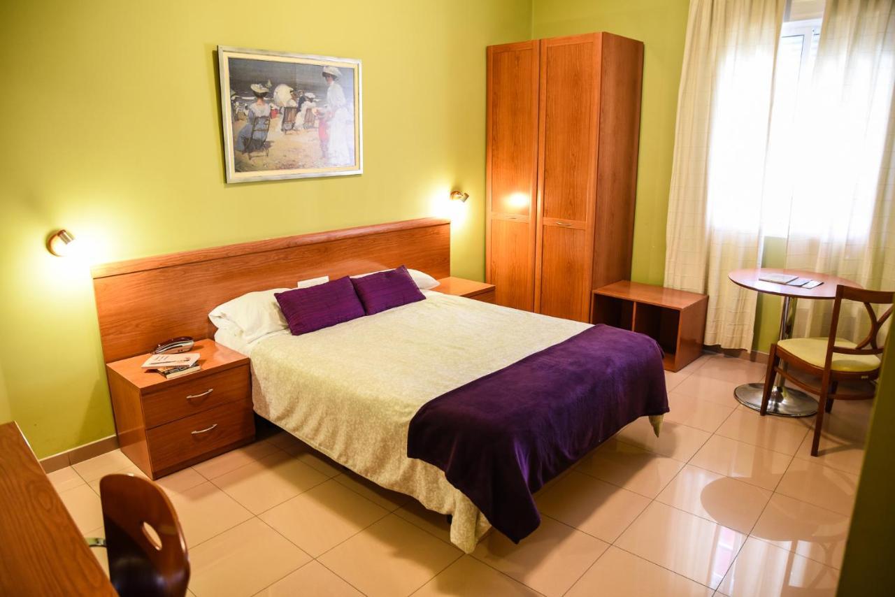 Hotels In Santibáñez El Bajo Extremadura