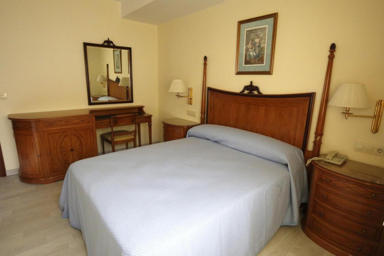 Hotels In Perbes Galicia