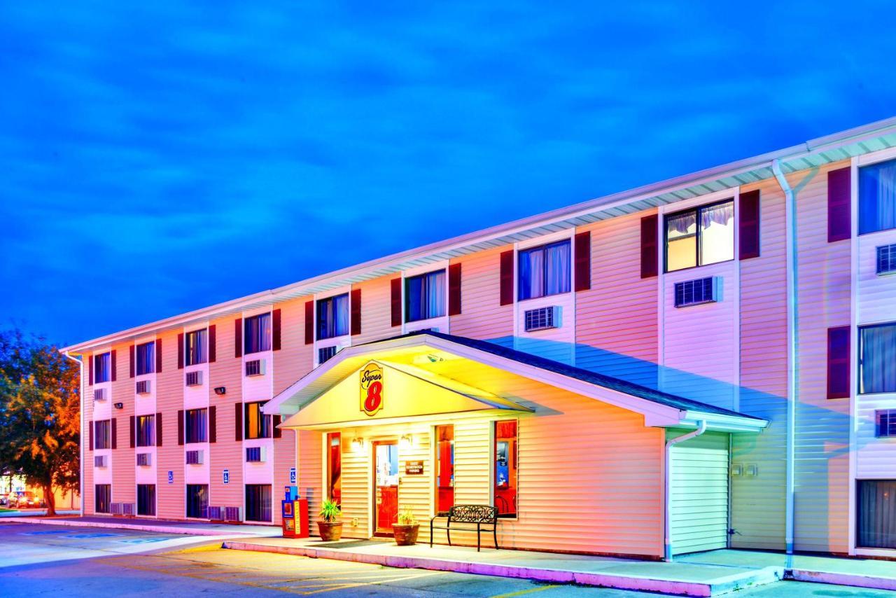 Hotels In Burlington Iowa