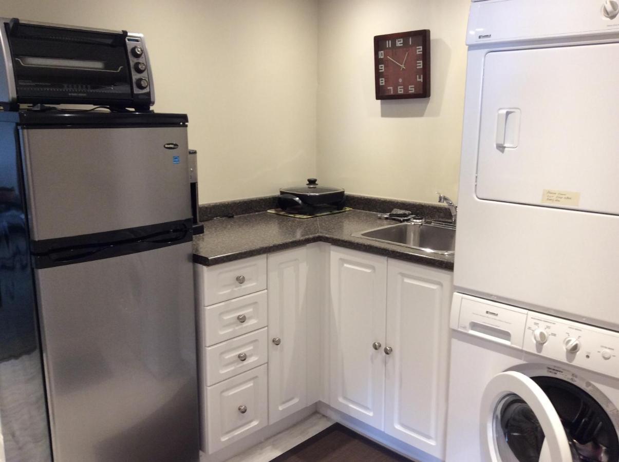 Apartment Sunshine Coast Suites, Sechelt, Canada - Booking.com