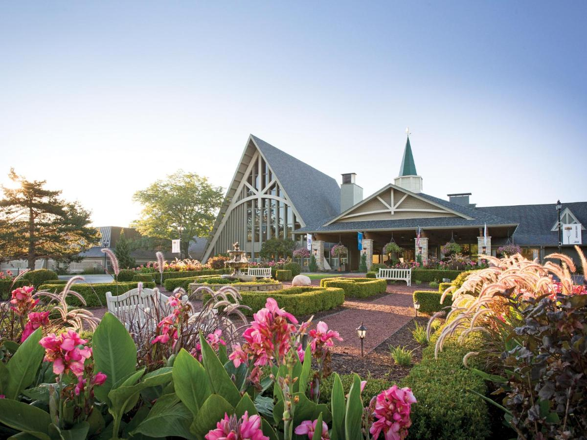 Resorts In Richmond Illinois