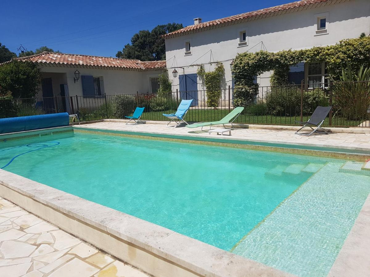 Guest Houses In Rochefort-du-gard Languedoc-roussillon