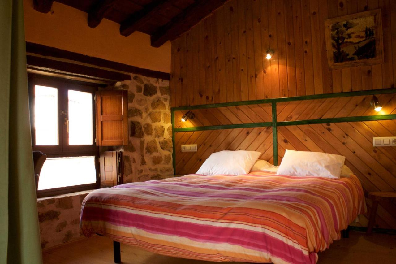 Guest Houses In Mazandrero Cantabria