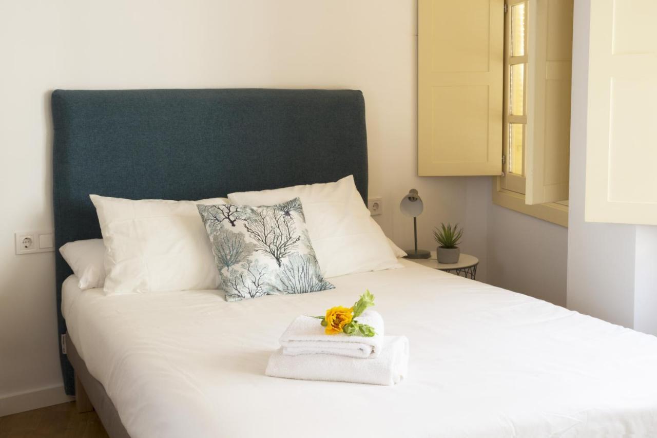 Apartment Chinitas Urban Estudios, Malaga, Spain - Booking.com