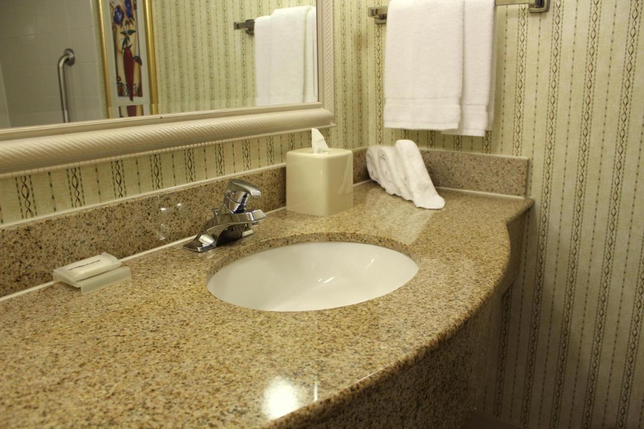Hilton Garden Inn Charlotte Uptown, NC - Booking.com