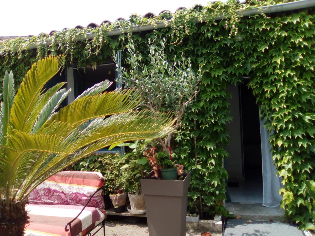 Bed And Breakfasts In Rivedoux-plage Island Of Ré