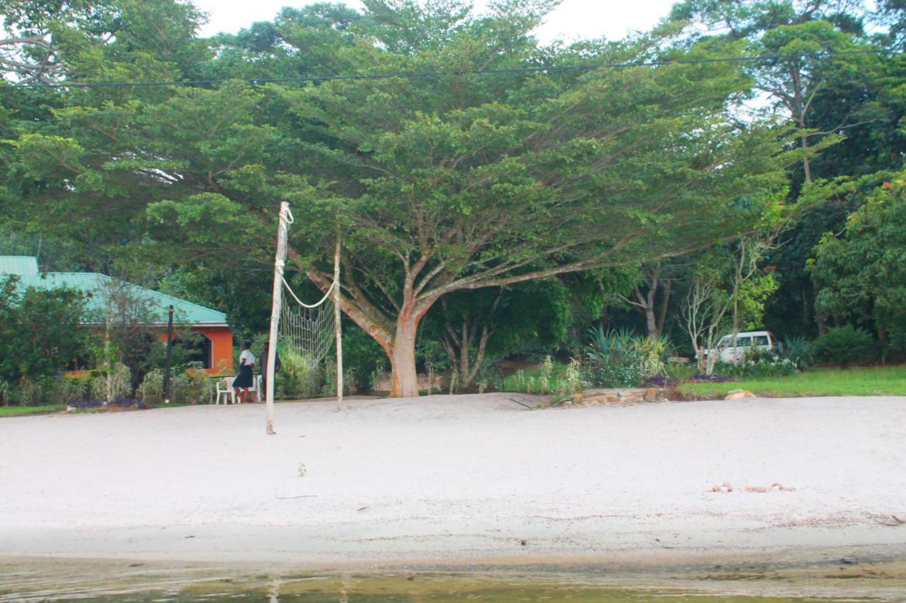 Resort Islands Club, Bwendero, Uganda - Booking.com
