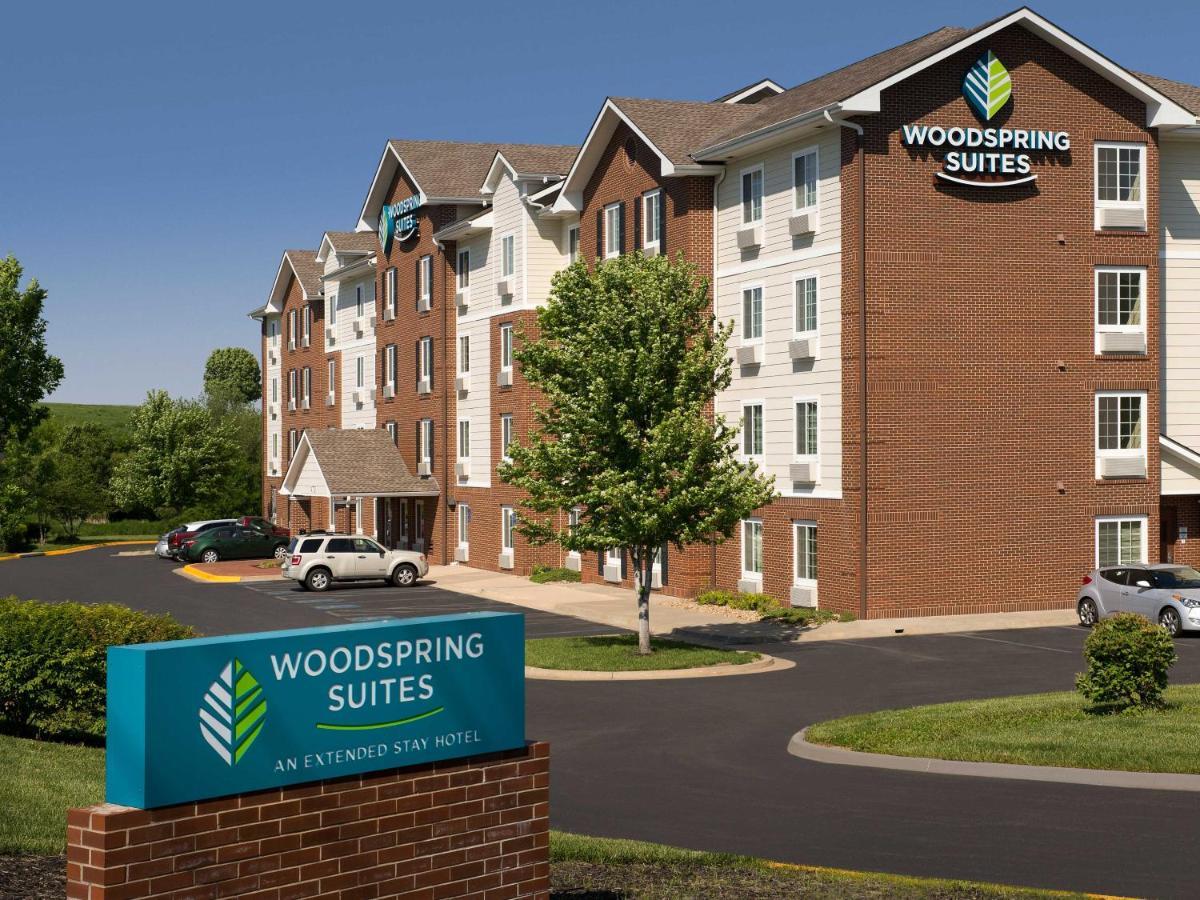 Hotels In De Soto Kansas