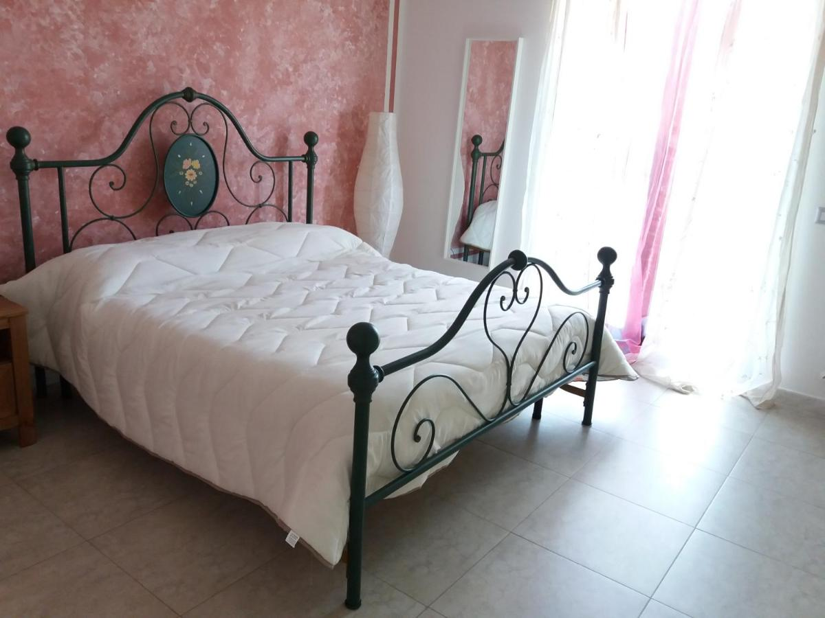 Guest Houses In Adelfia Apulia