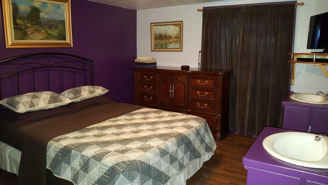 Bed And Breakfasts In Devon Alberta