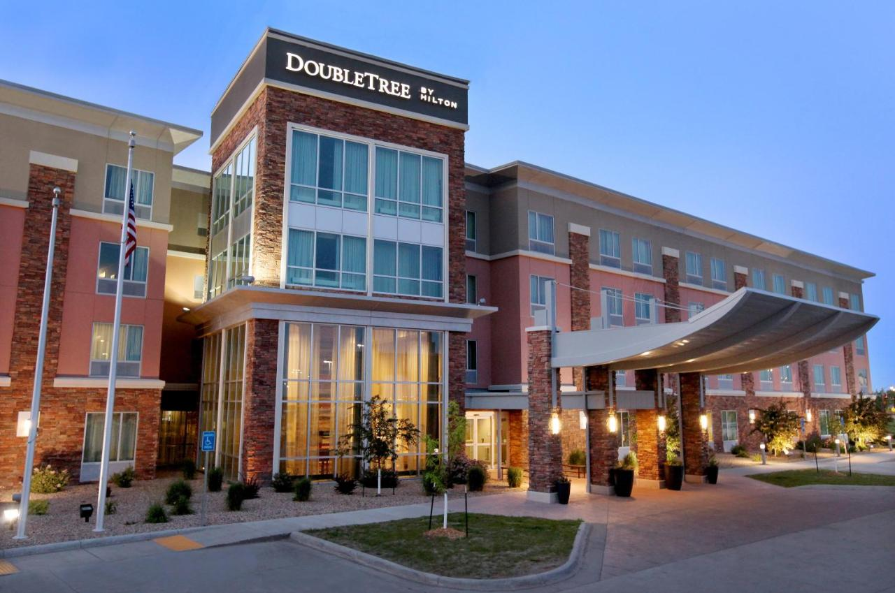 Hotel DoubleTree by Hilton West Fargo, ND - Booking.com on bismarck house, charlotte house, house house, interstellar house, as good as it gets house, lost house, caspar house, grimm house, boogie nights house, grey's anatomy house, arrow house, dig house, empire house, cheyenne house, community house, vikings house, revolution house, new girl house, pretty little liars house, haven house,