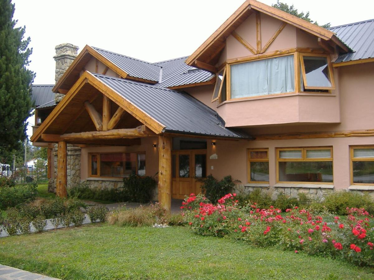 Hotels In Golondrinas Chubut