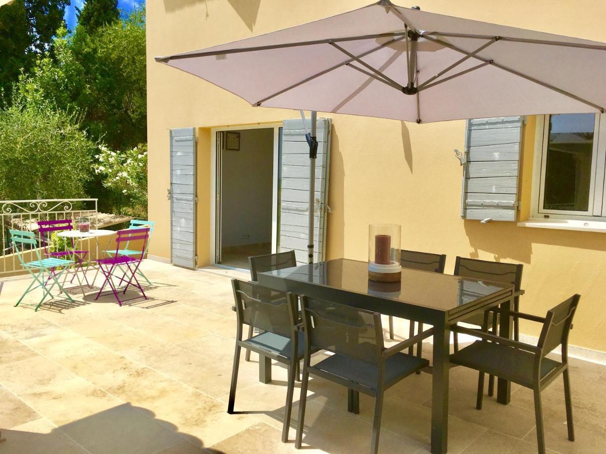 Vacation Home Maison de Standing,jardin,terrasse vue mer, Spéracèdes ...
