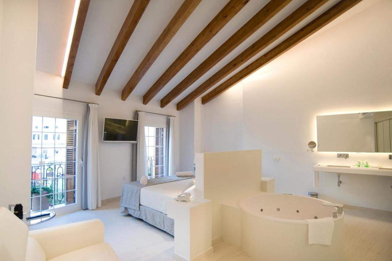 boutique hotels mahon  94
