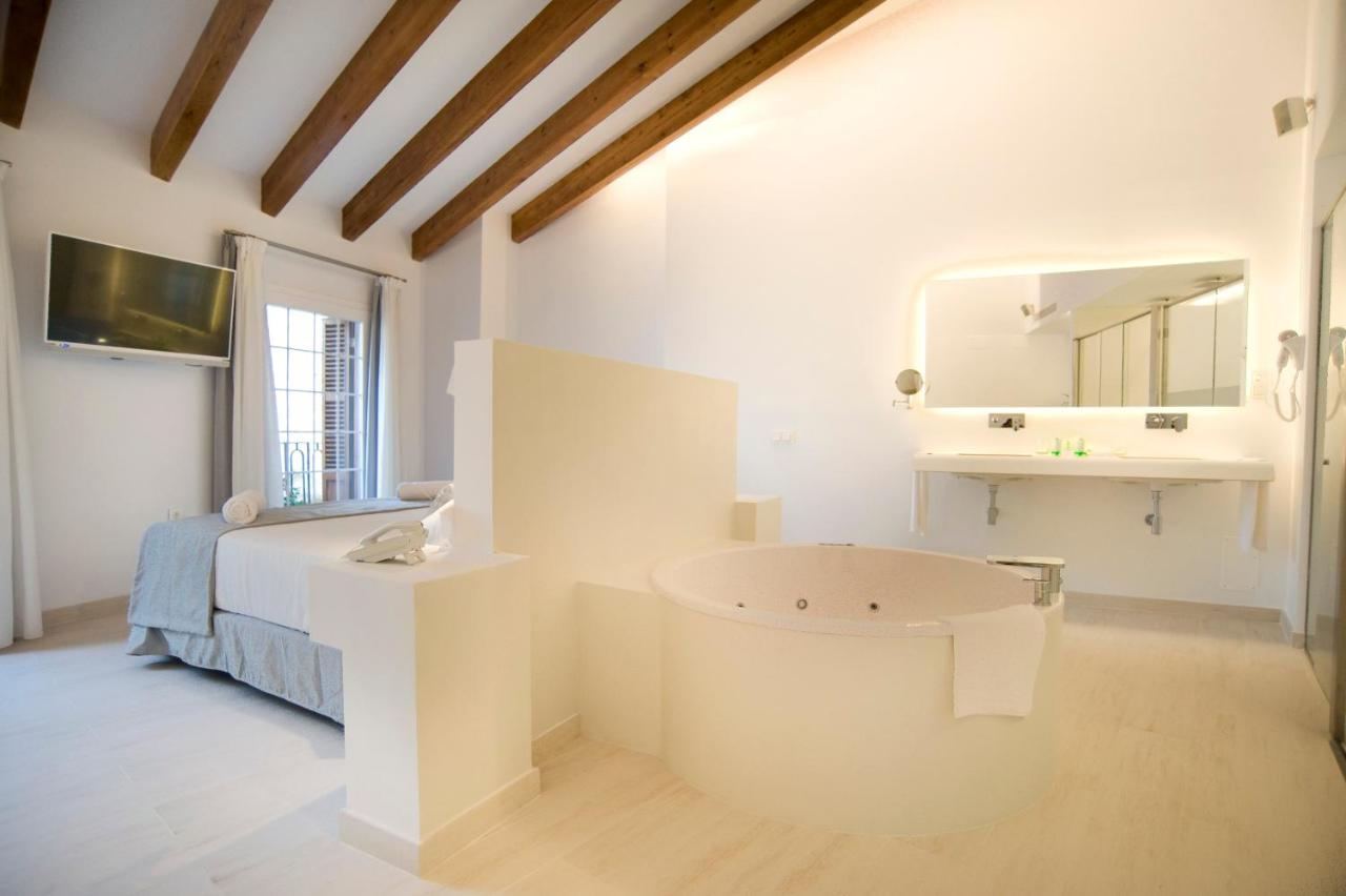 boutique hotels mahon  86