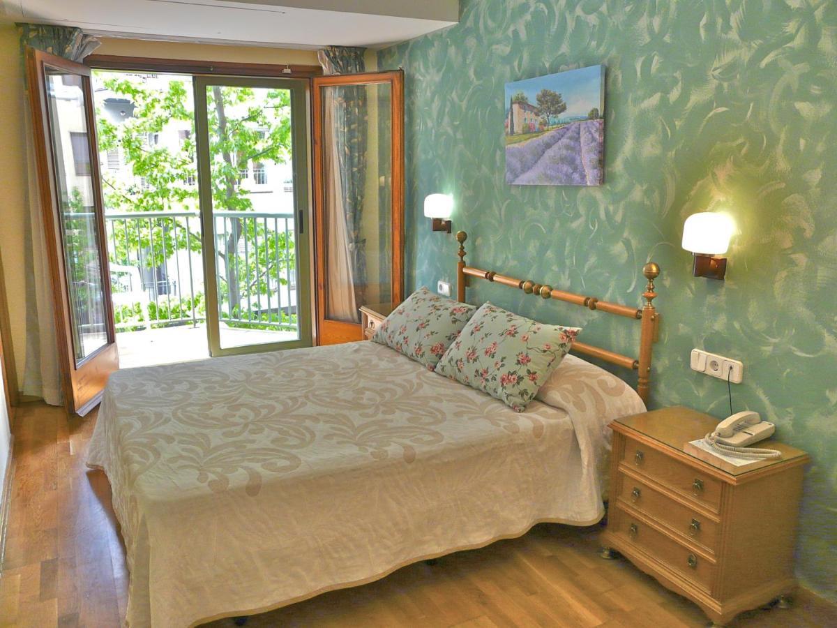 Hotels In Montargull De La Vansa Catalonia