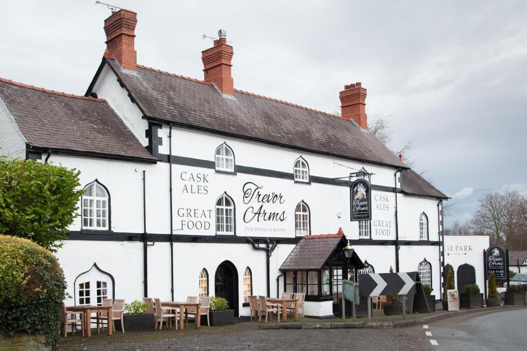 Hotels In Ffrith Clwyd