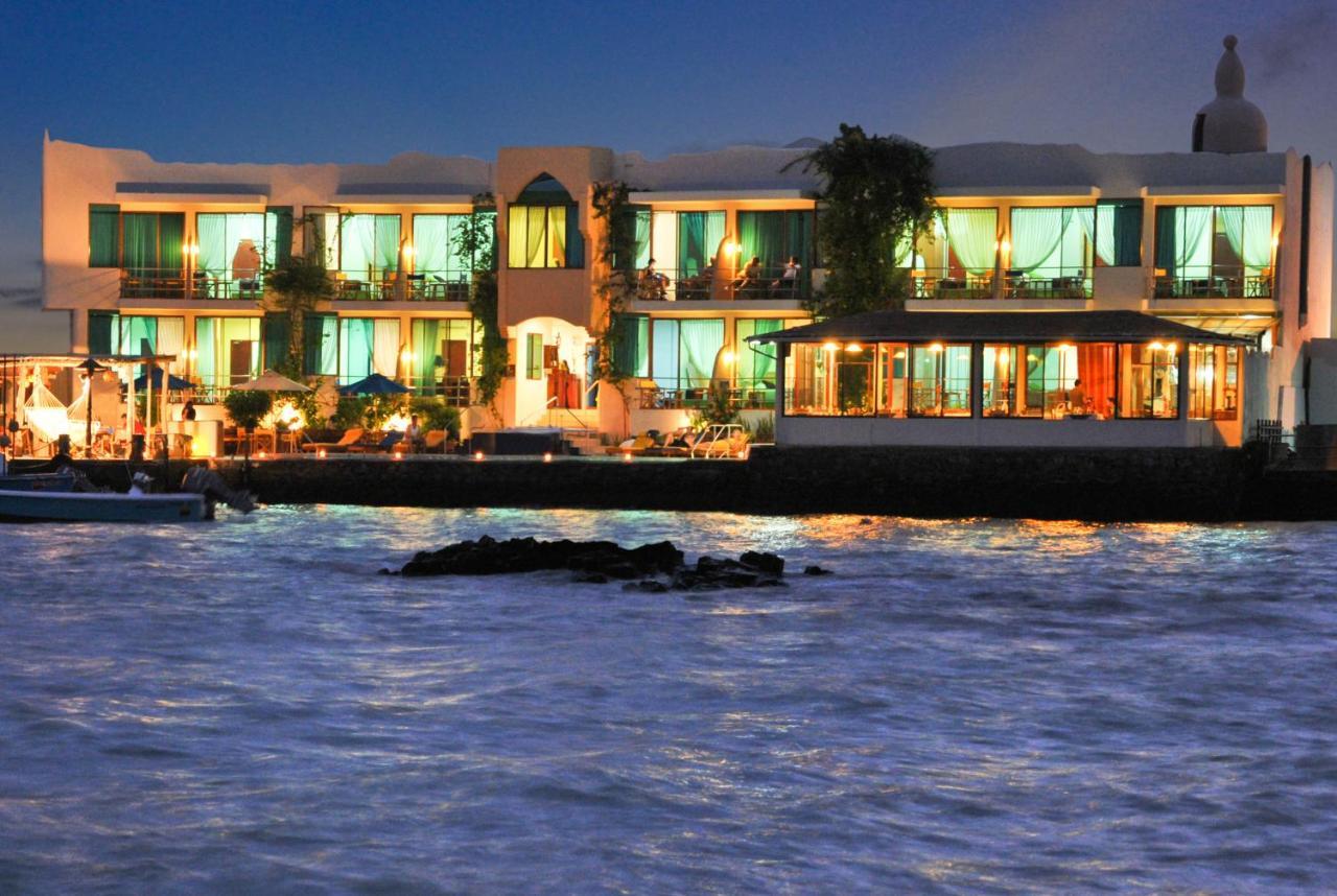 Hotels In Bahía De La Academia Santa Cruz Island